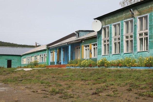 Школа в посёлке Седаново