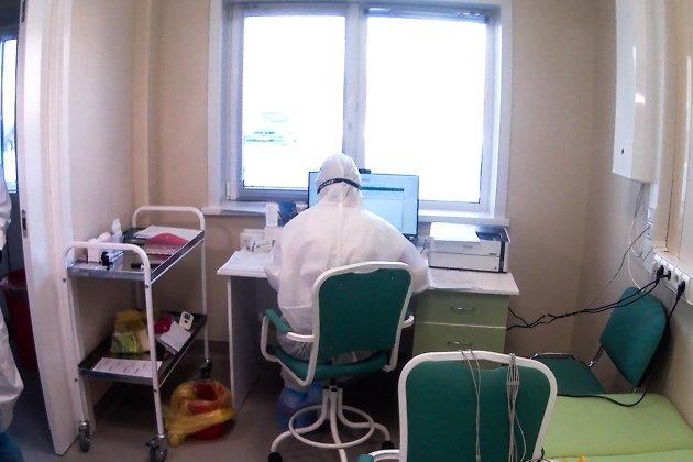 Перед поступлением все пациенты проходят обязательное обследование в приёмном боксе