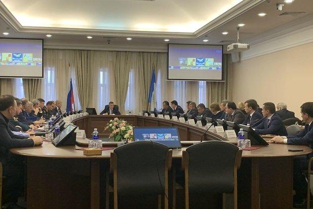 Врио губернатора Игорь Кобзев проводит совещание с членами правительства 16 декабря 2019 года