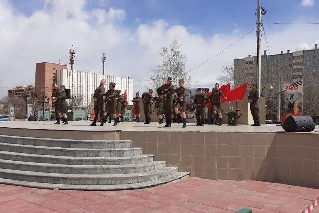 Праздничный концерт в честь Дня Победы на площади Труда