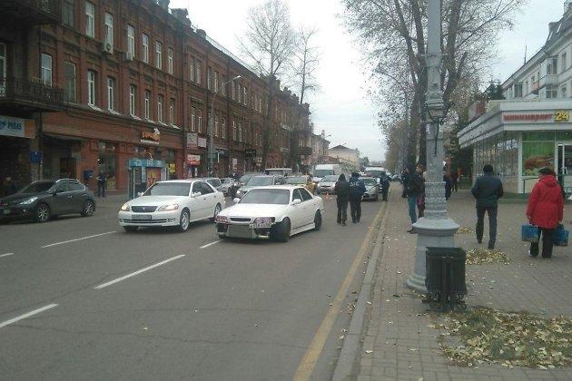 Лишённый прав шофёр сбил девятилетнего ребенка наулице Карла Маркса вИркутске