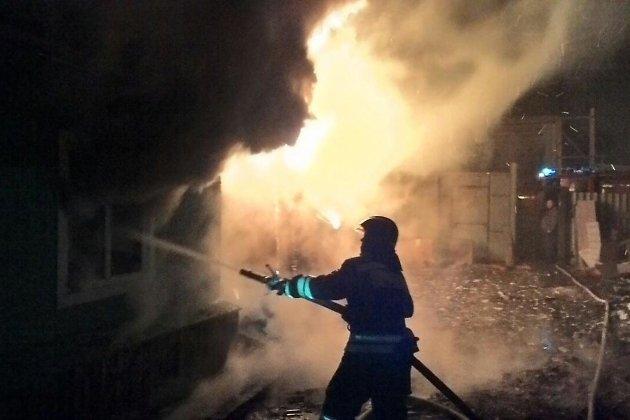 Пожар на улице Бийской