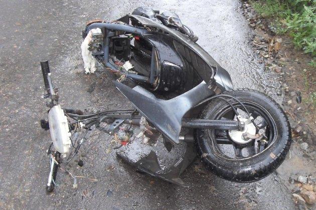 Мопед Honda на месте аварии