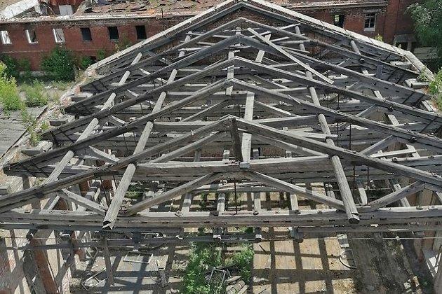 Вид крыши главного корпуса ИВВАИУ, 2020 год