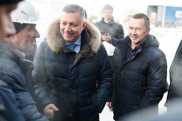 Дмитрий Бердников с врио губернатора Игорем Кобзевым на стройплощадке центра бенди