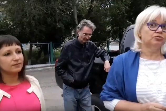 Оппозиционеры Ирина Кибалина (слева), Александр Жданов и Марина Савватеева