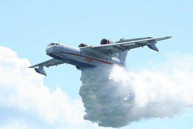 Парашютистов спас изогненного капкана экипаж самолета МЧС