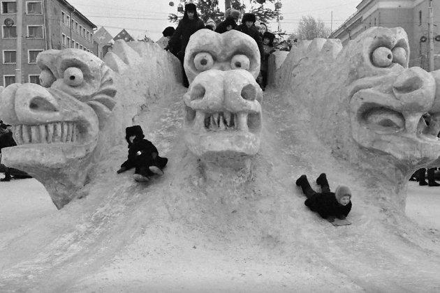 Ледовый городок на площади Ленина, 1988 год (год Дракона).