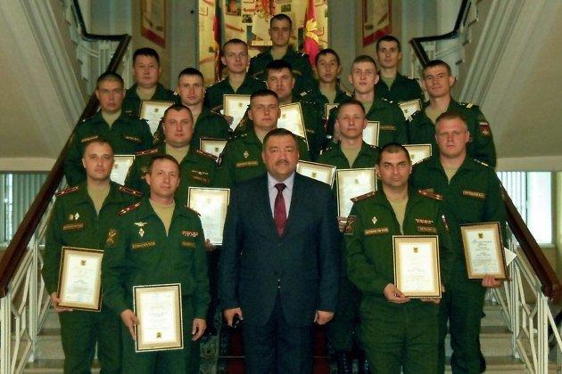 Военнослужащие на вручении благодарственных писем от имени губернатора Натальи Ждановой