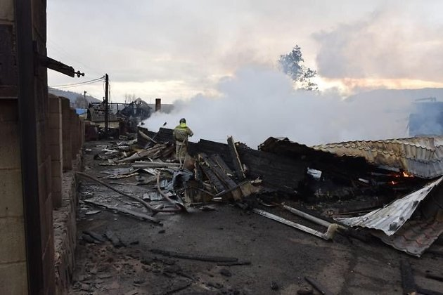 ВЛиствянке сгорели гостиница и дом