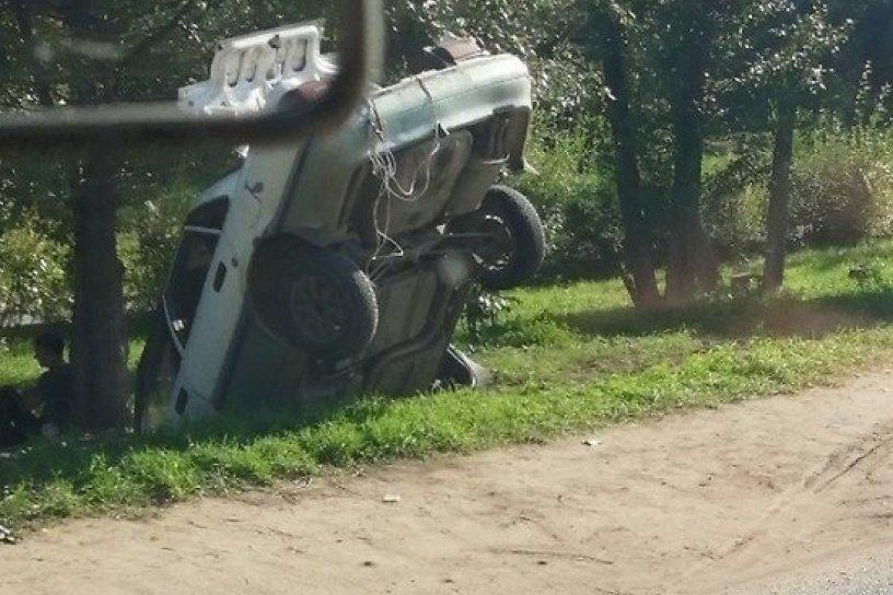 Иномарка вылетела с дороги на Магистральной в Чите