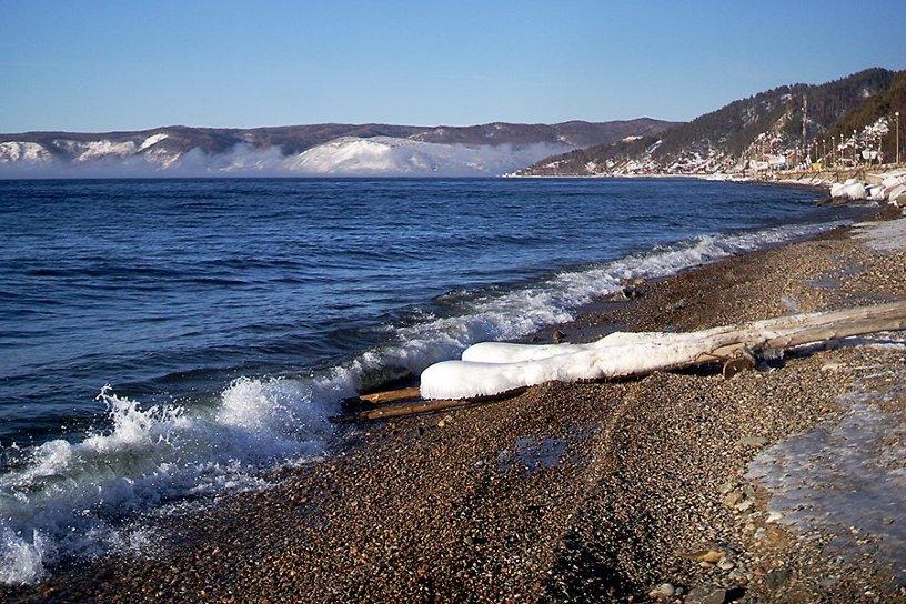Сибирский аквамен на #Байкале и подснежники – обзор соцсетей