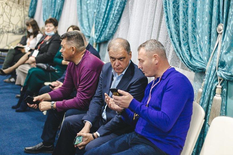 Скачков потратил на предвыборную агитацию 40 млн р., а Афицинский — 0 рублей